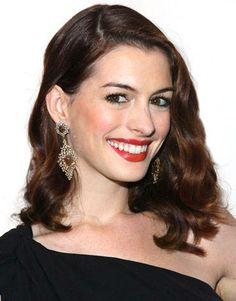Anne Hathaway - Brunette