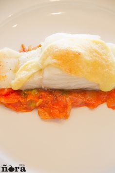 Bacalao con tomate y mayonesa de ajo | afreirpimientos