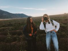 Your Digital Photo Developing Options – photography venue Best Friend Goals, Best Friends, Granola Girl, Gal Pal, Foto Pose, Teenage Dream, Summer Aesthetic, Girl Gang, Friend Pictures
