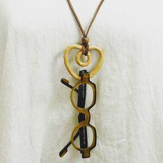 木工作品集 274 Woodcraft works portfolio 274 2016年 #ハート の #眼鏡ホルダー になる #ペンダント  #プレッツェル みたいで #カワイイ っしょ #heart #pendant  as #glassesholder looks like #brezel ?