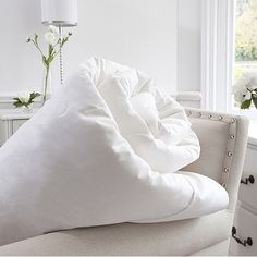 Exquisite Silk Duvet by Jasmine Silk made from mulberry silk. Silk Bedding offers luxury and is also ideal for allergy sufferers Super King Size Bed, Best Duvet Covers, Silk Bedding, Quilt Sizes, Dust Mites, Mulberry Silk, Comforter Sets, Decoration, Luxury Bedding