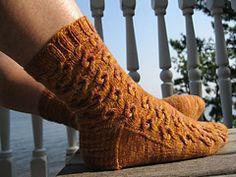 Ravelry: Bubbly Socks pattern by verybusymonkey