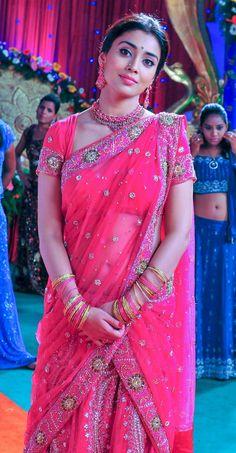 Indian Bollywood Actress, Bollywood Girls, Beautiful Bollywood Actress, Most Beautiful Indian Actress, Beautiful Actresses, Indian Beauty Saree, Indian Sarees, Hot Actresses, Indian Actresses