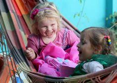 Nos encanta cuando vienen de visita amigos o parientes ! La hamaca es el lugar favorito de casa para charlar =)