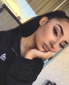 "♡ ""the most beautiful makeup for a woman is passion, but cosmetics are easier to buy Makeup On Fleek, Flawless Makeup, Cute Makeup, Pretty Makeup, Skin Makeup, Insta Baddie Makeup, Eyeliner Makeup, Pretty Hair, Makeup Goals"