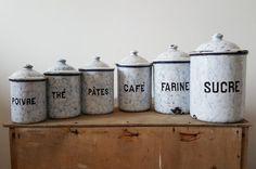French vintage enamel spice set enamelware spices por NorthtoByske
