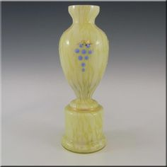 Soft And Light Cooperative Large Signed Skrdlovice Glass Vase With The Original Label Bohemian/czech Pottery & Glass