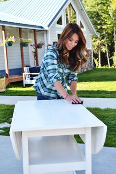 How to paint furniture like a pro in 6 easy steps. Via @Ana White for MyColortopia.com