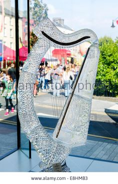 A €30,000 crystal harp in the showroom at the Waterford Crystal factory, Waterford City, County Waterford,  Republic of Ireland Stock Photo