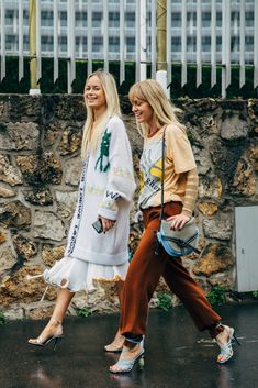 You Can Thank Fashion Week For This All-Star Street Style — Outfit Planning Just Got a Lot Easier- Paris Fashion Week Fall 2019 Tokyo Street Fashion, Paris Fashion, Grunge Outfits, Fall Outfits, Fashion Outfits, Grunge Style, Soft Grunge, Le Happy, Fashion Week