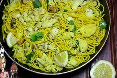 Bacalhau à Bulhão pato com esparguete de açafrão ♥♥♥ - http://gostinhos.com/bacalhau-a-bulhao-pato-com-esparguete-de-acafrao-%e2%99%a5%e2%99%a5%e2%99%a5/