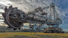 10 MEGA MACHINES (LARGEST IN THE WORLD)