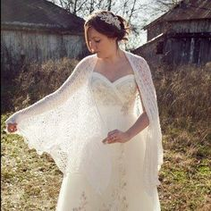 When she couldn\'t find the perfect wrap, this bride took to eBay to ...