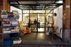 """""""Biologisch eten in de romantische Veerhaven."""" Z & M ✮ Klik voor openingstijden en reviews: http://tupalo.com/nl/rotterdam/z-and-m-restaurant"""