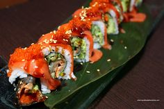 This Food Adventures: King Sushi is a better for our dessert made with awesome ingredients! Sushi Burger, Sushi Taco, Sushi Recipes, Asian Recipes, Cooking Recipes, Sashimi, King Sushi, Sushi Take Out, My Favorite Food