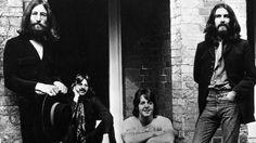 """Abbey Road. Sesiones para """"White Album"""". Continuaron trabajando en """"Revolution I"""" y los últimos 6 minutos los emplearon en hacer la base para la caótica """"Revolution 9"""". Yoko gritó en esta pista. Fue su primera intervención en un disco de Los Beatles. </3"""