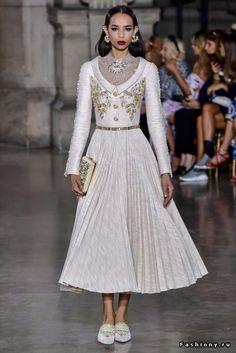 Georges Hobeika Haute Couture Осень-Зима 2017-2018
