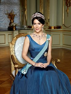 Crown Princess Mary looking stunning in her portrait.