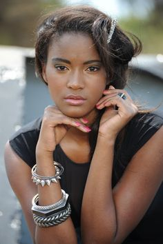 Leila, who works as a professional model, was born in Benguela, Angola, and is the daughter of Cape Verdean immigrants.
