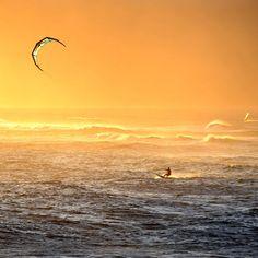Kitesurfing in Maui   Hawaii