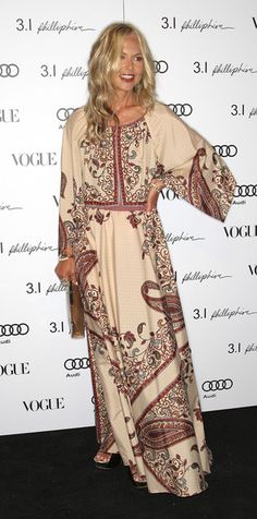 Rachel Zoe Photos - Actress Rachel Zoe attends Vogue's one year anniversary party at the Phillip Lim Los Angeles store on July 2009 in West Hollywood, California. - Vogue's 1 Year Anniversary Party For Phillip Lim's LA Store - Arrivals Bohemian Chic Fashion, Bohemian Lifestyle, Boho Chic, Hippie Chic, Fashion 2018, Star Fashion, Rachael Zoe, Tent Dress, Beautiful Dresses
