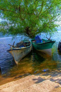 Ancorei meu barco, pessoal, não estou conseguindo vir, desejo uma linda semana para todos, beijos!