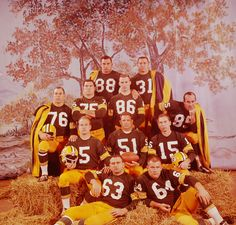 On this day in the NFL was founded. Pictured: The 1962 Green Bay Packers by LIFE's George Silk. On this day in the NFL was founded. Pictured: The 1962 Green Bay Packers by LIFE's George Silk. Green Bay Packers Fans, Nfl Green Bay, Green Bay Packers History, Green Bay Packers Merchandise, Packers Gear, Packers Baby, Go Packers, Packers Football, Greenbay Packers