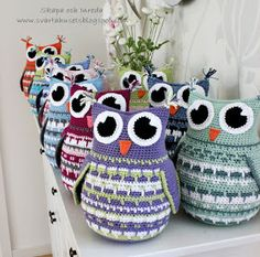 Crochet Animals, Crochet Toys, Owl Crochet Patterns, African Flowers, Mittens Pattern, Crochet Pillow, Pet Gifts, Twine, Crochet Projects