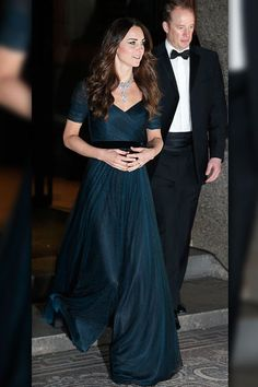 Fit For a Duchess June 11, 2014 Kate Middleton made her first public appearance of 2014 at the National Portrait Gala on February 11, 2014 in London, but it wasn't her dark blue Jenny Packham gown that made waves -- it was her show-stopping necklace -- which was on loan from the Queen herself