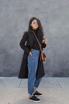 90's CASUAL COOL with a minimalistic twist. CHIC! || Desert Lily Vintage ||