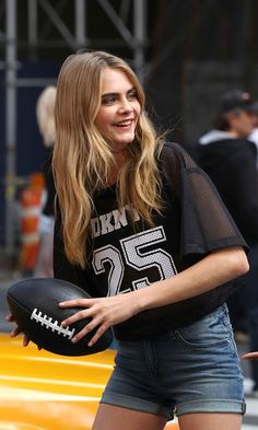 49 ideas photography people fashion cara delevingne for 2019 Look Fashion, Fashion Models, Girl Fashion, British Fashion Awards, Girl Photography, Fashion Photography, Mannequin, Girl Crushes, Supermodels