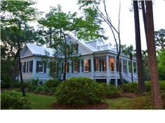 View 1 photos for 202 S Hickory St, Summerville, SC 29483 a 4 bed, 5 bath, Sq. single family home built in 1860 that sold on Southern Homes, Southern Living, Maine House, My House, Outdoor Living, Outdoor Decor, Property Records, Find Property, Renting A House
