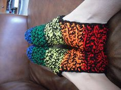 Peanutzmom's Pattern Place: Operation Christmas Box Slippers