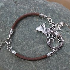 Game of Thrones GOT Bracelet en cuir Stark Loup Lannister Lion Targaryen Dragon