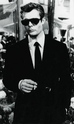 Marcello Mastroianni in La Dolce Vita (1960)