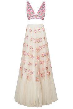 Lehenga White, Sabyasachi Bride, Sari Dress, Pernia Pop Up Shop, Traditional Outfits, Pretty Outfits, Indian Fashion, Two Piece Skirt Set, Prom Dresses