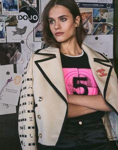 Dean Isidro for Grazia Italia with Darya Kostenich   Fashion Editorials Chanel 19, Chanel Jacket, Elegant Outfit, Fashion Stylist, Editorial Fashion, Military Jacket, Stylists, T Shirts For Women, Fashion Editorials