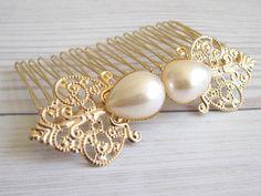 romantischen goldenen Tressen Haarkamm mit Perle  von Custom Handmade Jewelry, Vintage and Modern Jewelry  auf DaWanda.com