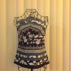 ☀☀Super cute LOFT Summer/ vacay top☀☀ Loft sexy and sweet vacay top in navy, sky blue and white. Ties at neck and has side zipper. Size O. No trades LOFT Tops