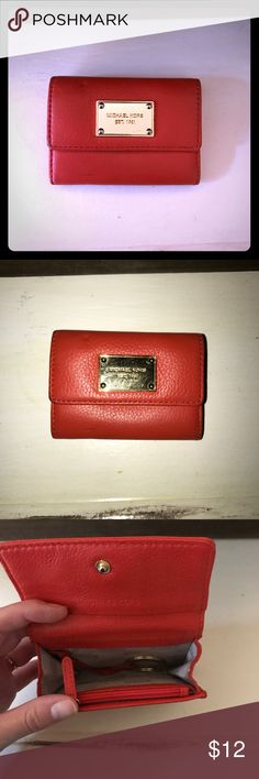 Michael Kors coin purse Fun orange color Michael Kors coin purse! Michael Kors Bags Wallets