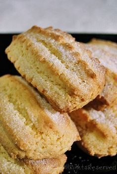 Biscotti inzupposissimi allo yogurt - Tentar non nuoce: A Iorio p Italian Cookie Recipes, Italian Cookies, Italian Desserts, Biscotti Biscuits, Biscotti Cookies, Sweet Recipes, Cake Recipes, Dessert Recipes, Italian Biscuits