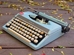 Vintage Royal Companion Portable Typewriter by agnisflugen on Etsy