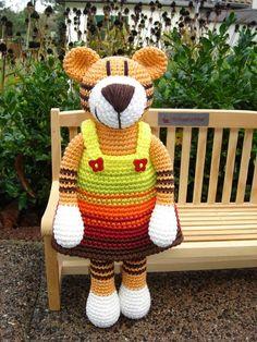 Tamina Tiger ♥ von Schneckenkind auf DaWanda.com Pet Toys, Doll Toys, Love Crochet, Knit Crochet, Crochet Stitches, Crochet Patterns, Cute Stuffed Animals, Knitted Animals, Amigurumi Toys