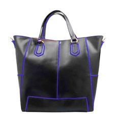 Bolsa em couro e detalhes em azul royal da coleção de inverno 2014 Cristófoli