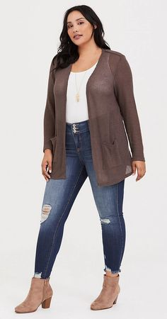 Plus size taupe cardigan - plus size fashion for women Fall Outfits For Teen Girls, Fall Outfits For Work, Plus Size Fashion For Women, Plus Size Women, Taupe, Simple Shirts, Boho Outfits, Cardigans For Women, Beautiful Outfits