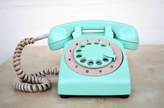 Vintage Mint Green turquoise Rotary Phone por PrettyTurkishThings
