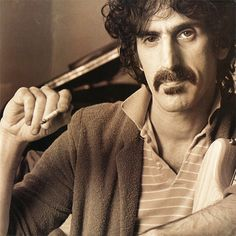 Frank Zappa - Return Of The Son Of Shut Up 'N Play Yer Guitar  Barking Pumpkin Records BPR-1113 - Enregistré - Sortie le 11 mai 1981  Note: 5/10