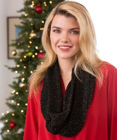 Holiday Cowl Free Knitting Pattern in Red Heart Yarns