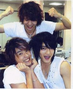 JYJ cute aren't they..