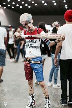 Love the gender bent Harley Quinn!  Male Harley Quinn Suicide Squad Cosplay